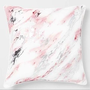 DORMIFY pink marble metallic pillow